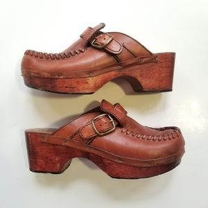 VINTAGE 70's Kinney Brown Leather Wooden Clogs